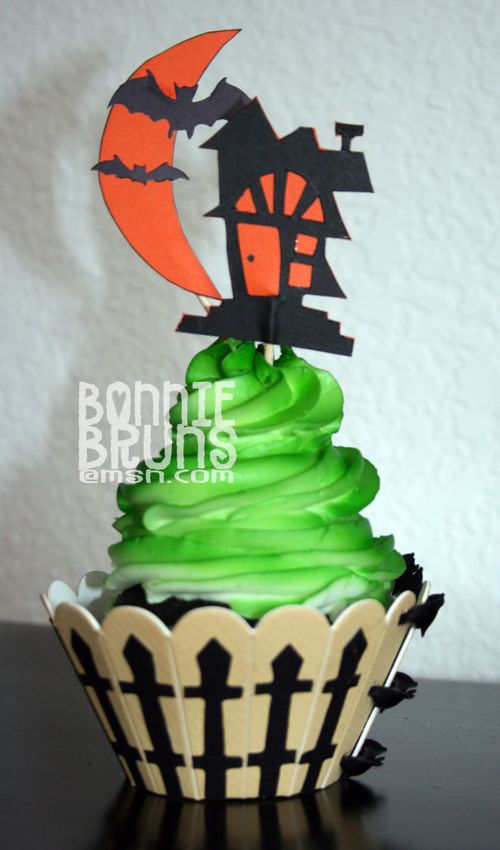 Scoreboard Cupcake Holder-Halloween.